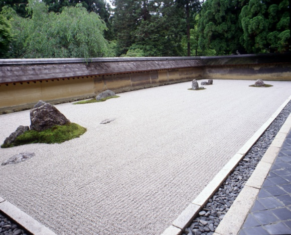 japan-kyoto-ryoanji-sekitei-rock-garden-1-ajhd